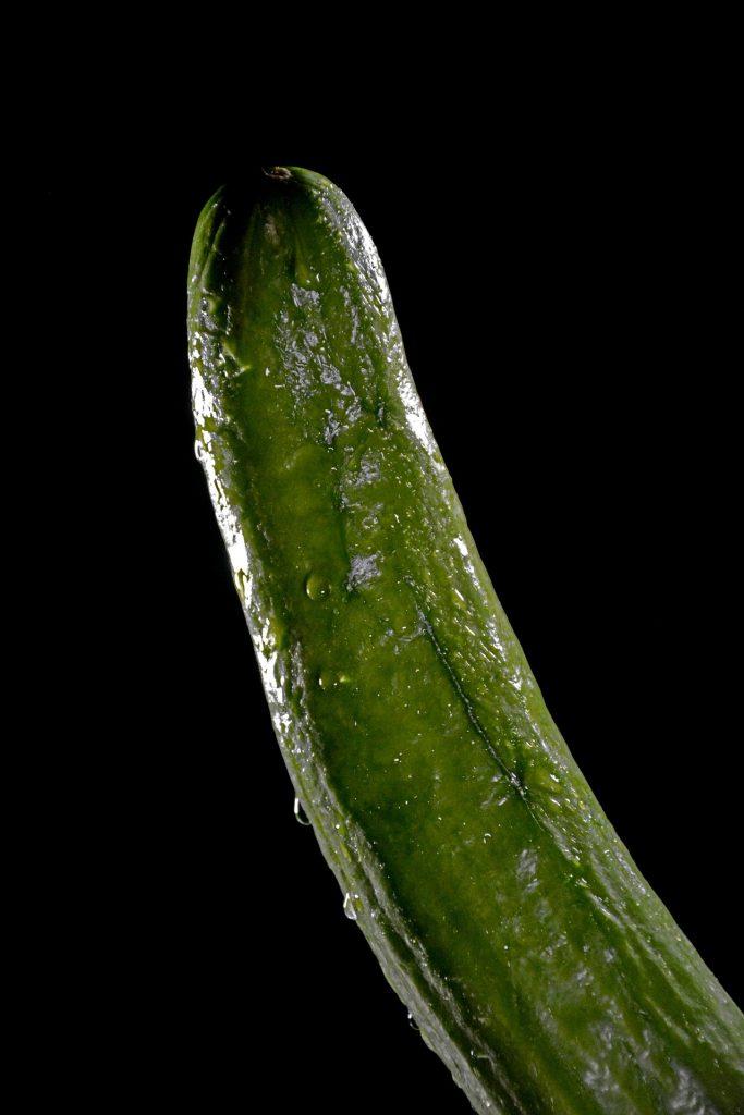 фалос, краставица