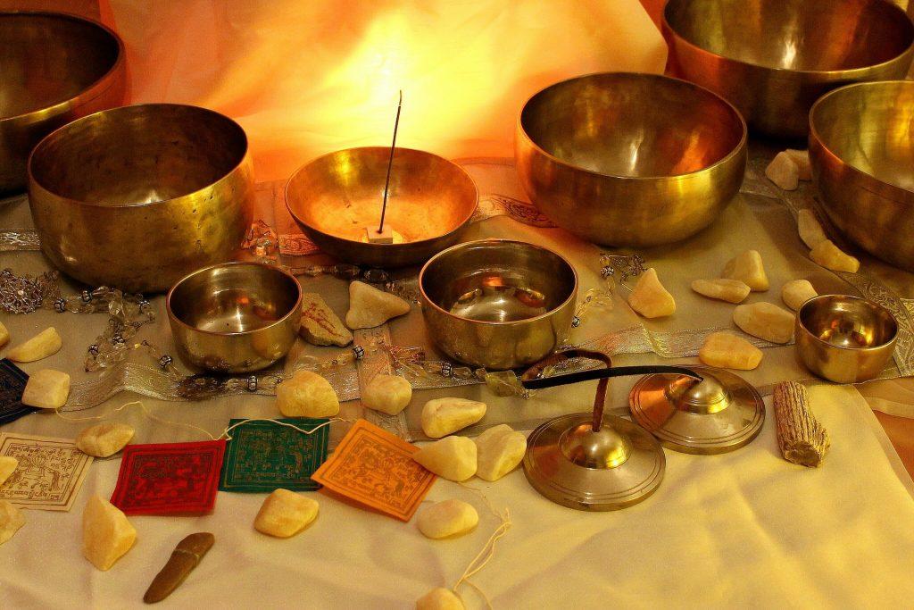 Тибетски пеещи купи